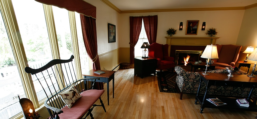 Relax in Timbercliffe Cottage, Camden Maine