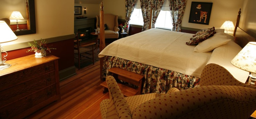 The 1620 Chamber - Camden Bed & Breakfast
